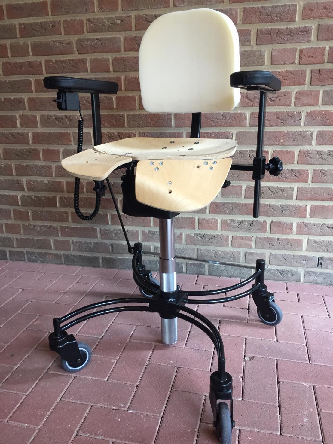 Trippelstoel met +arthrodese zitting