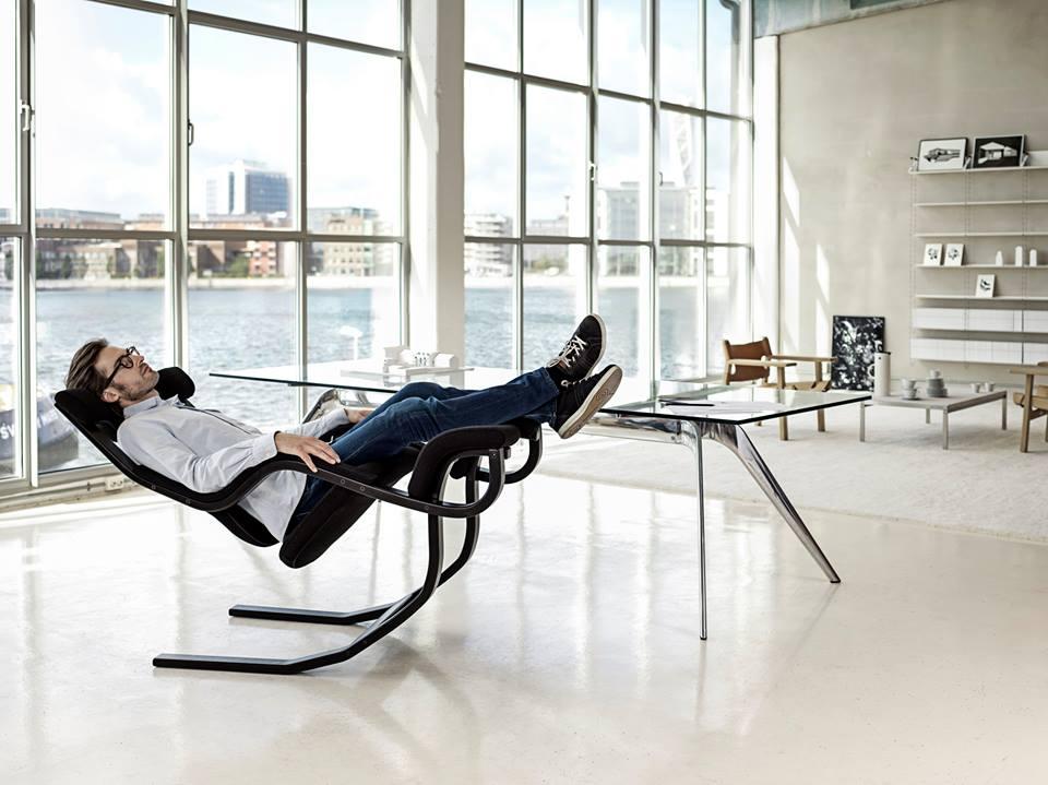 De Gravity balans schommelstoel