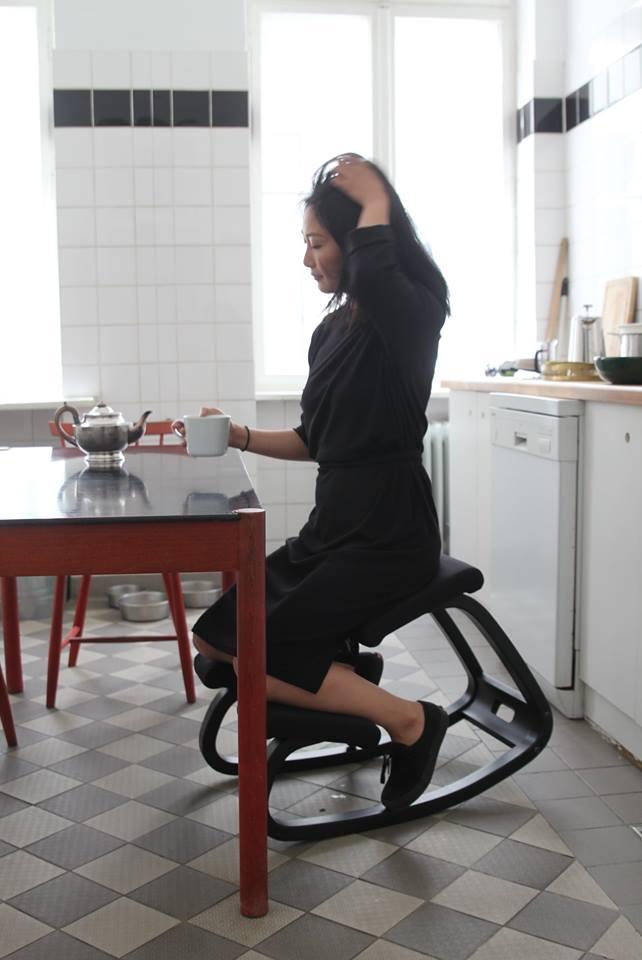 ergonomische Scandinavische knie stoel thuis werkplek
